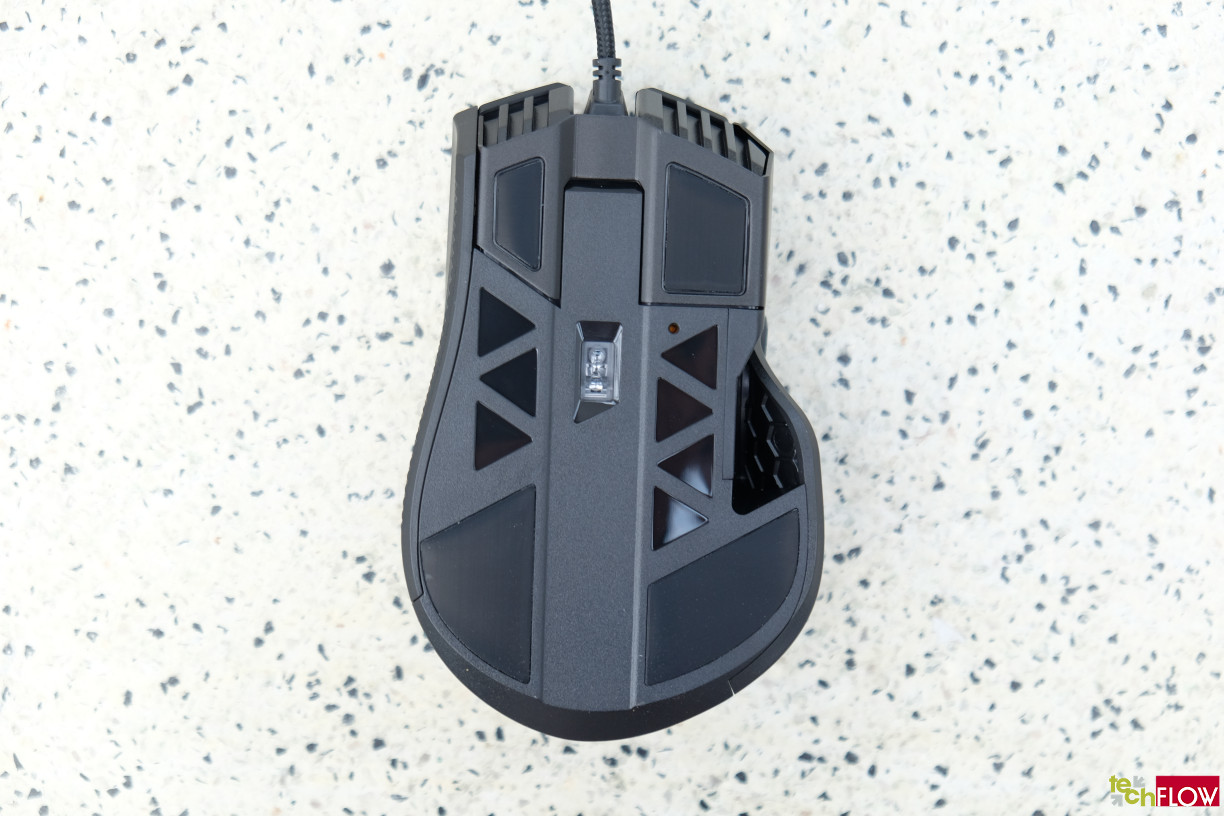 Corsair-IronClaw-RGB-Gaming-Mouse-020