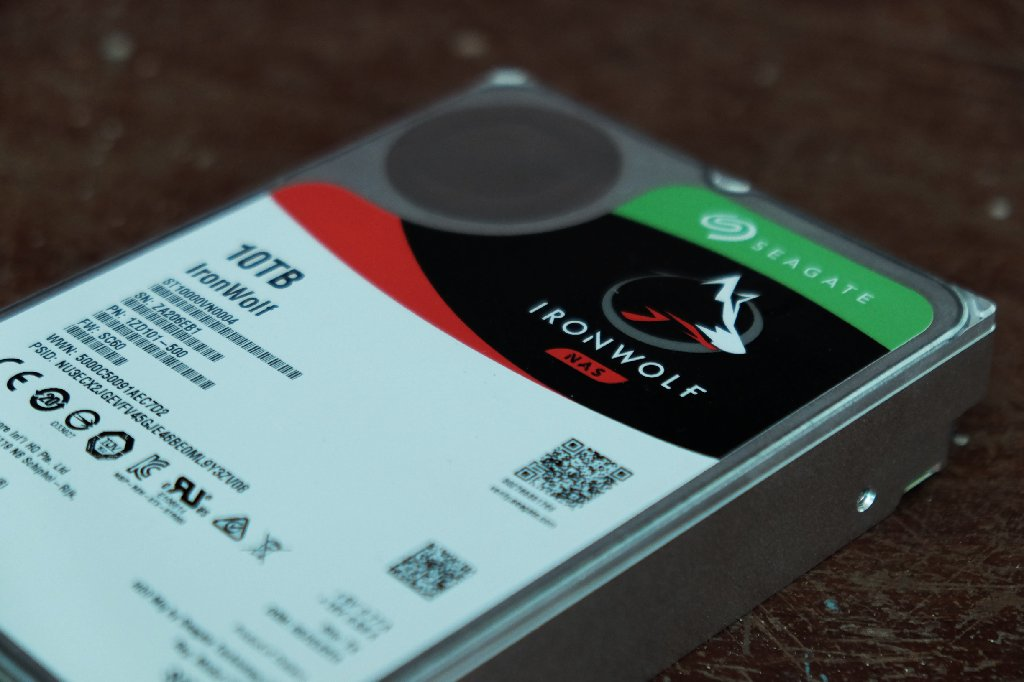 Seagate-Ironwolf-10TB-003