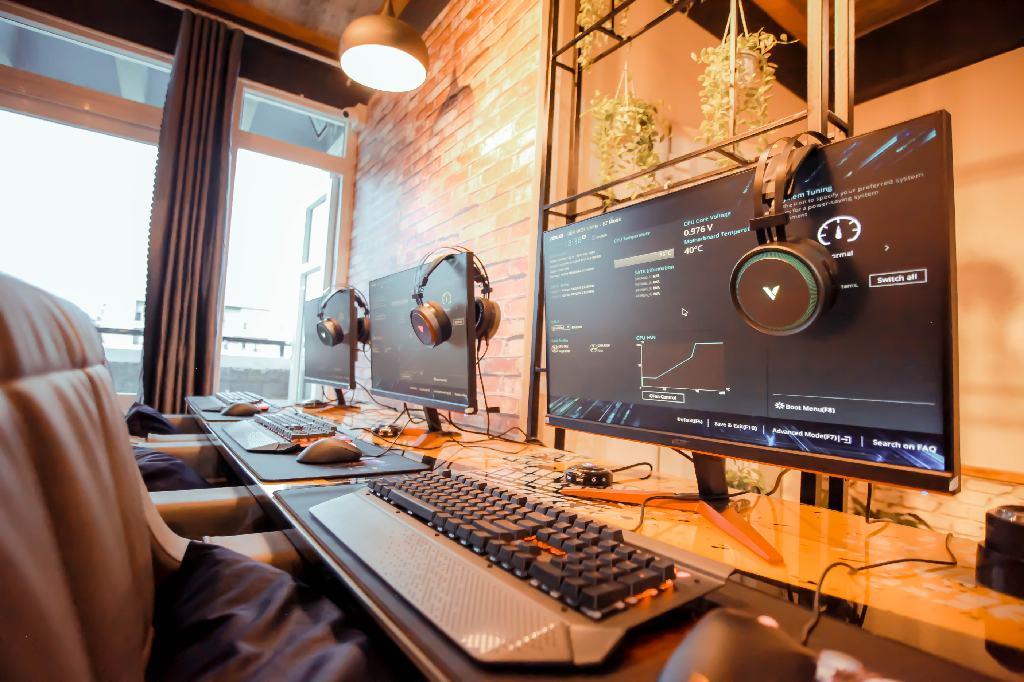 273-Gaming-Lounge-001