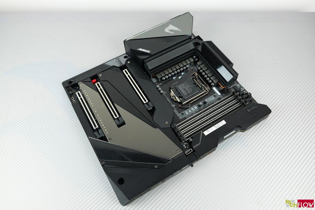 Gigabyte-Z490-Aorus-Xtreme-054