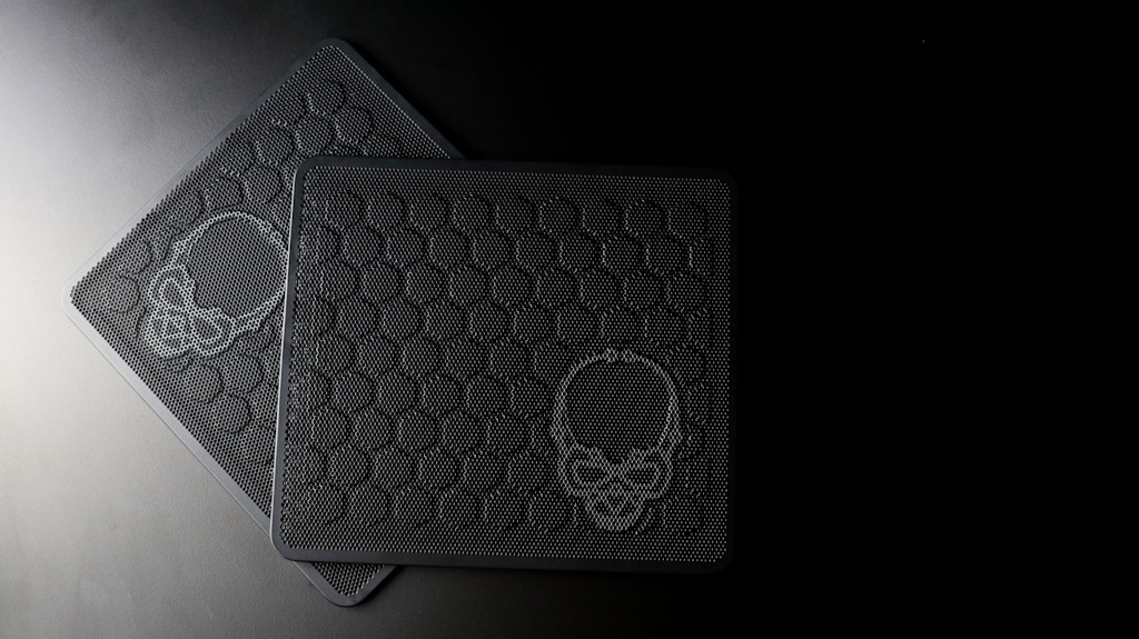 Intel NUC 9 Ghost Canyon Extreme Kit-017