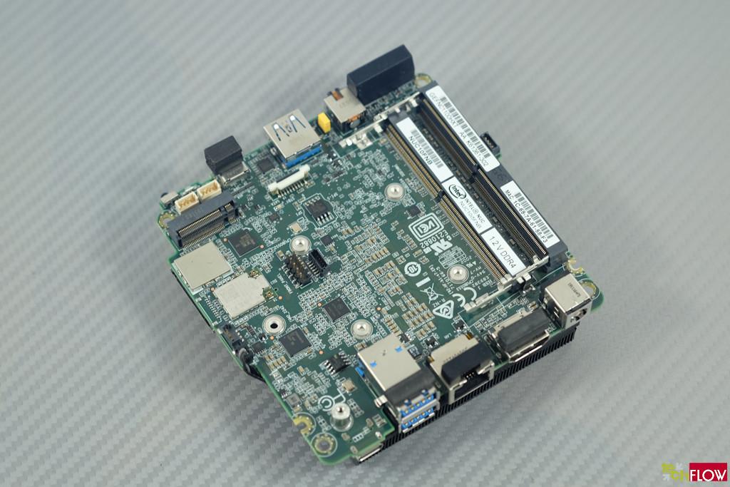 Intel_NUC10i5FNH-018