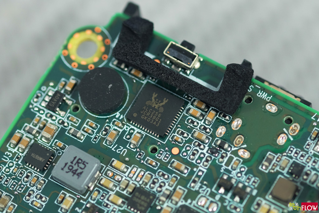 Intel_NUC10i5FNH-029