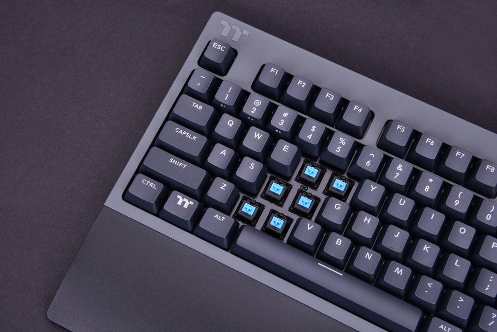 Thermaltake W1 WIRELESS Mechanical Gaming Keyboard Cherry MX Blue
