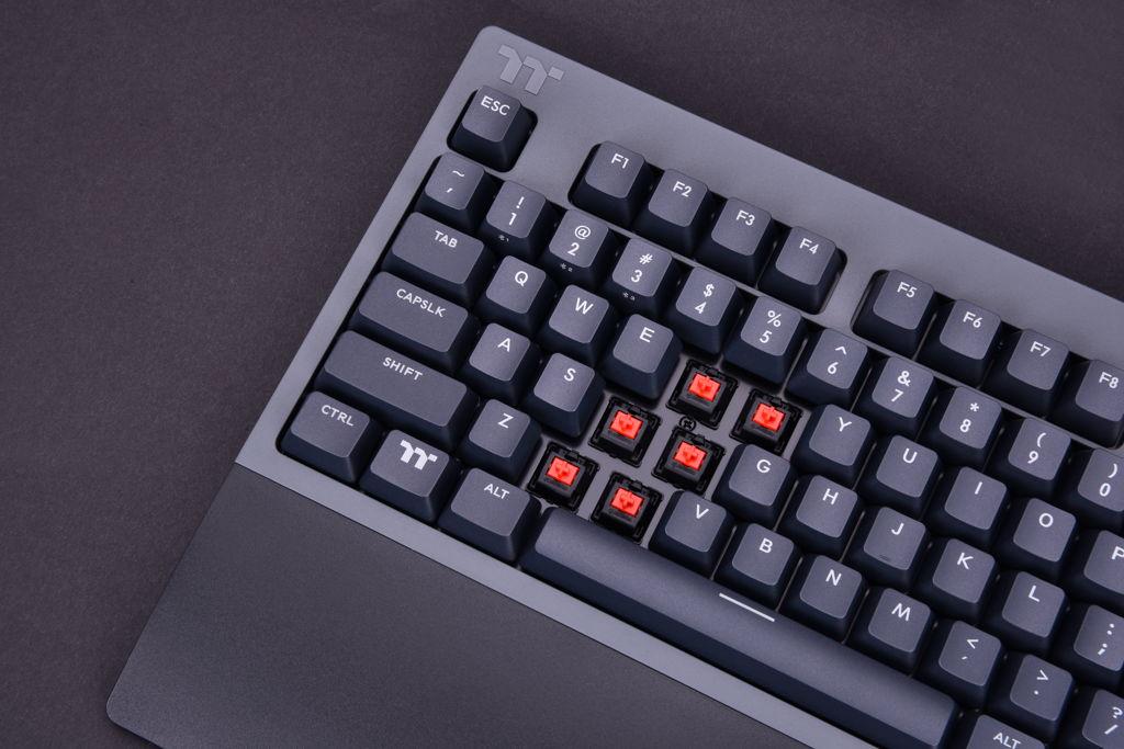 Thermaltake W1 WIRELESS Mechanical Gaming Keyboard Cherry MX Red