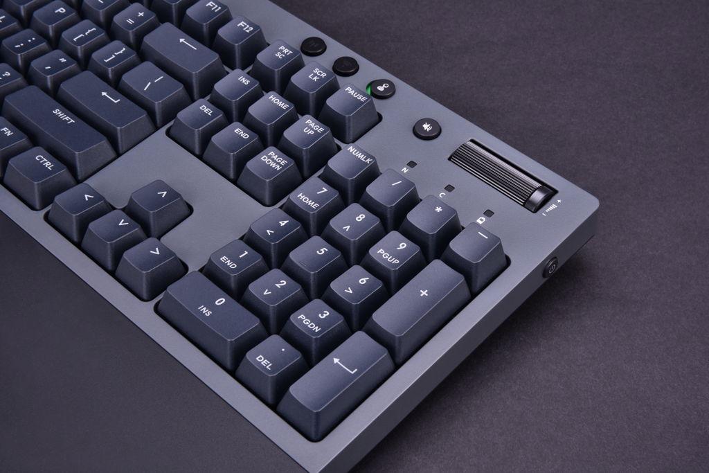 Thermaltake W1 WIRELESS Mechanical Gaming Keyboard_3
